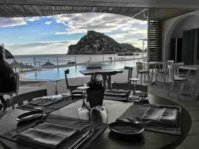Corfu-Trail - km 111 - Etappe 7 - Paleokastritsa - Abendessen mit Stil und Ausblick