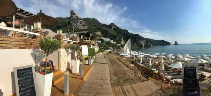 Corfu-Trail - km 78 - Etappe 5 - Übernachtung in Agios Gordios - Restaurants direkt am Strand
