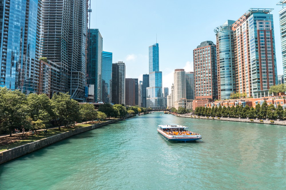 Get the best views of the Chicago's architecture from the Chicago River.