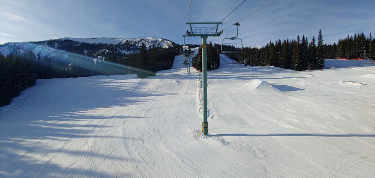 An image of a chairlift at Marmot Basin in Jasper, Alberta - Jasper Skiing