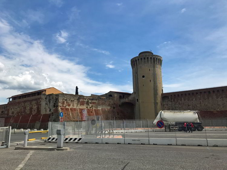An image of Fortrezza Vecchia, the old fort, in Livorno, Italy.