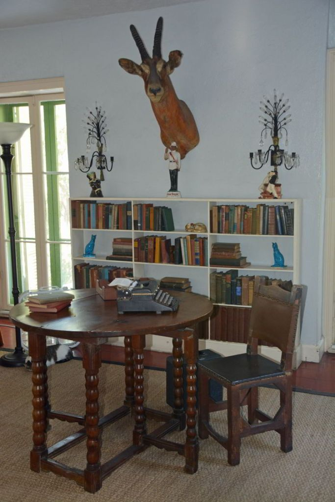 An image of Ernest Hemingway's desk and typewriter in Hemingway House in Key West, Florida.