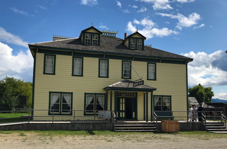 An image of the Windsor Hotel at Fort Steele Heritage Town.