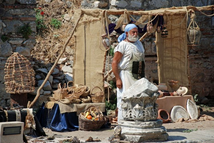 An image of a vendor outside the ruins of Ephesus.