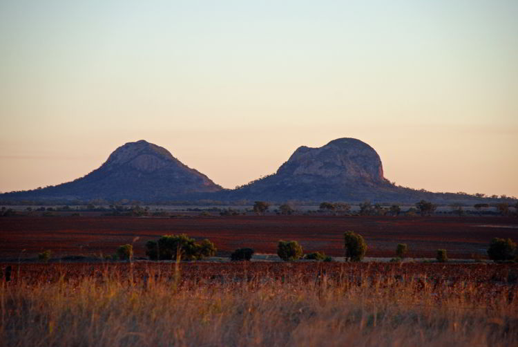 An image of the Queensland outback in Australia.
