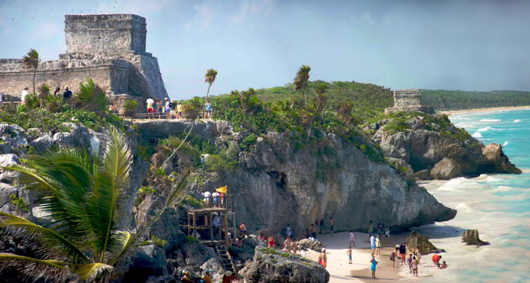 An image of the Mayan ruins in Tulum, Mexico.