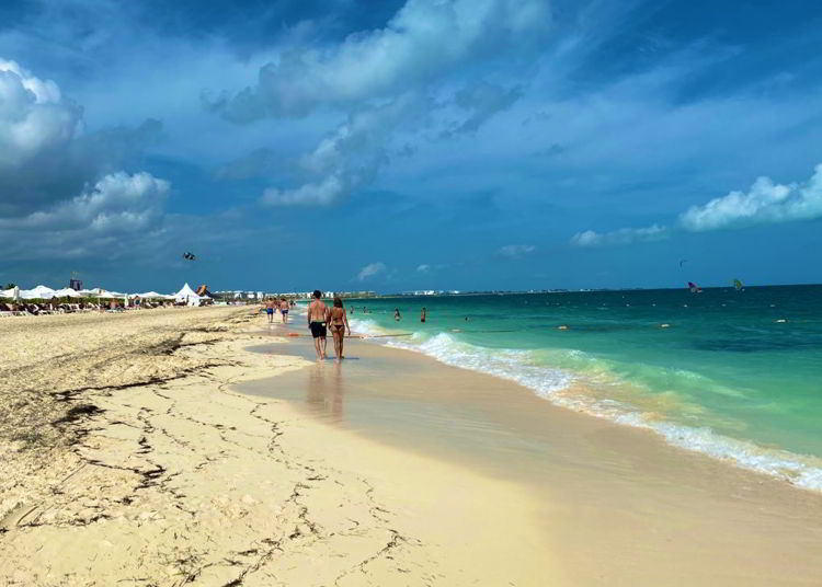 An image of the beach at the Grand Palladium Costa Mujeres in Mexico.