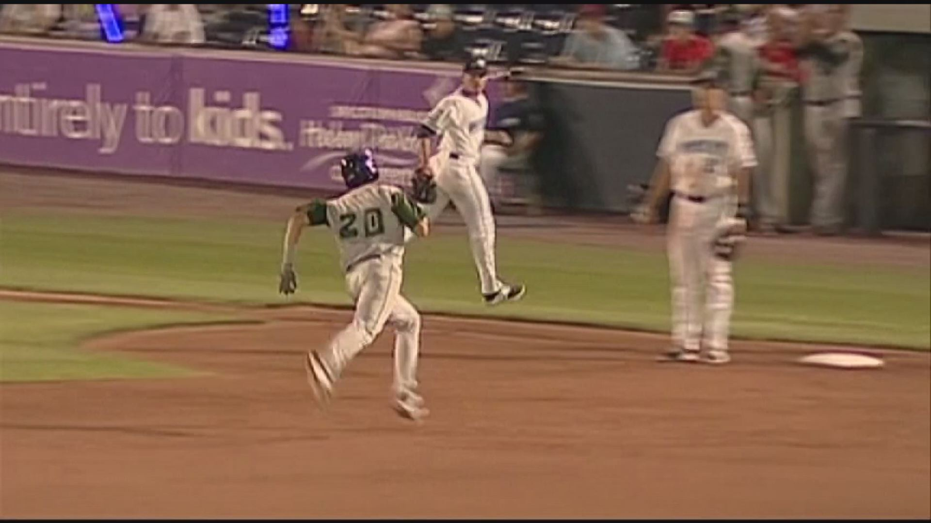 Fort Wayne Bats Show Up Better Late Than Never In Extra