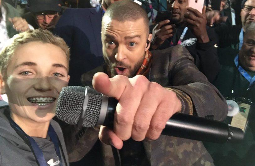 Justin Timberlake selfie Super Bowl_311636