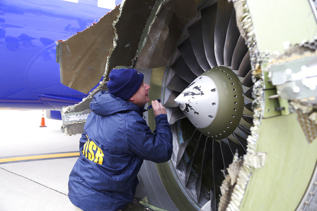 Southwest Airlines Emergency Landing_1524113629701