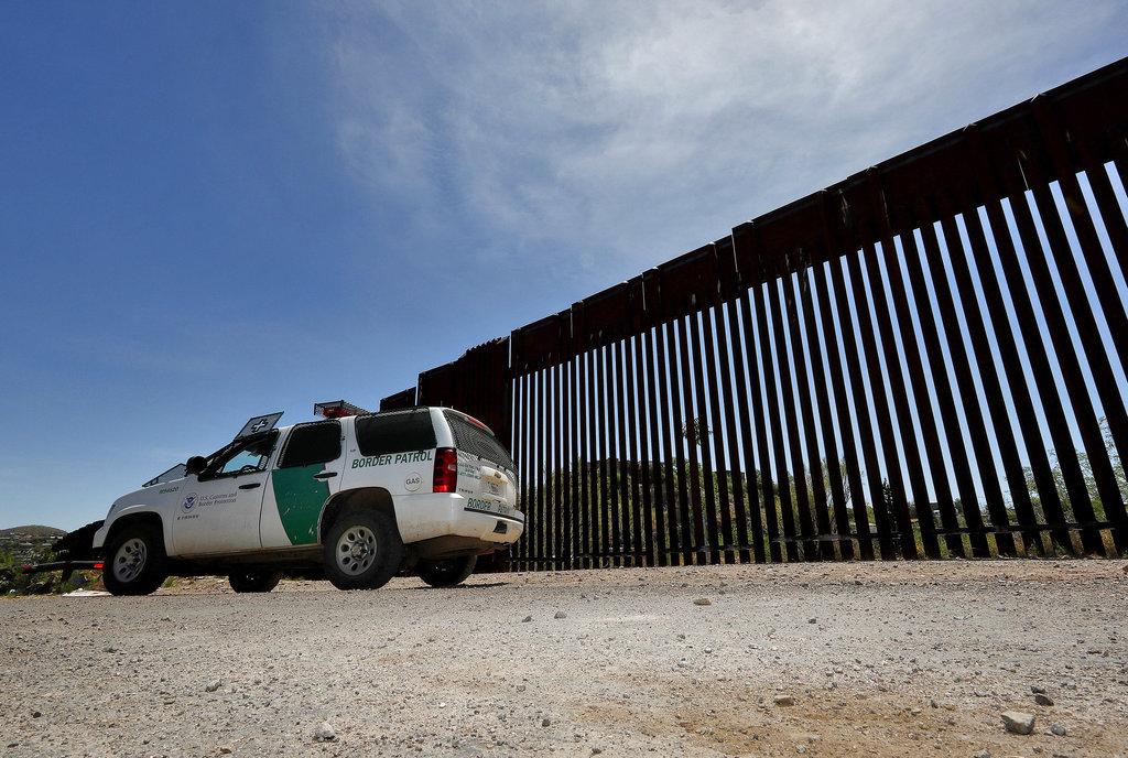 Trump Border troops2