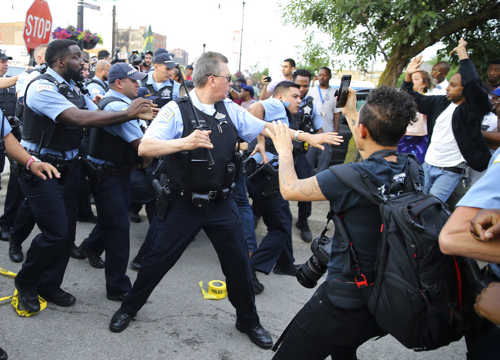 Police Shooting-Chicago_1531642391526