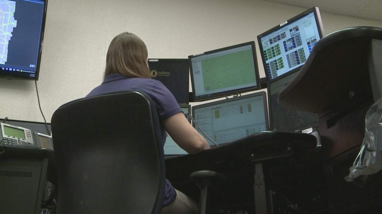 Indiana 911 dispatchers must get CPR training under new law