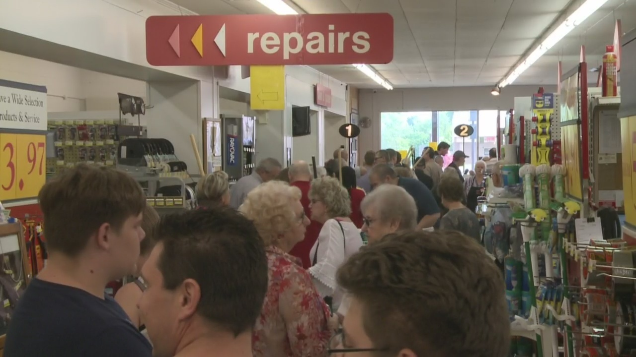 Church skips service to help with tornado recovery efforts