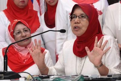 Tak dicalonkan dalam PRU 13 terus mahu keluar parti? Dan koleksi gambar wanita UMNO menangis