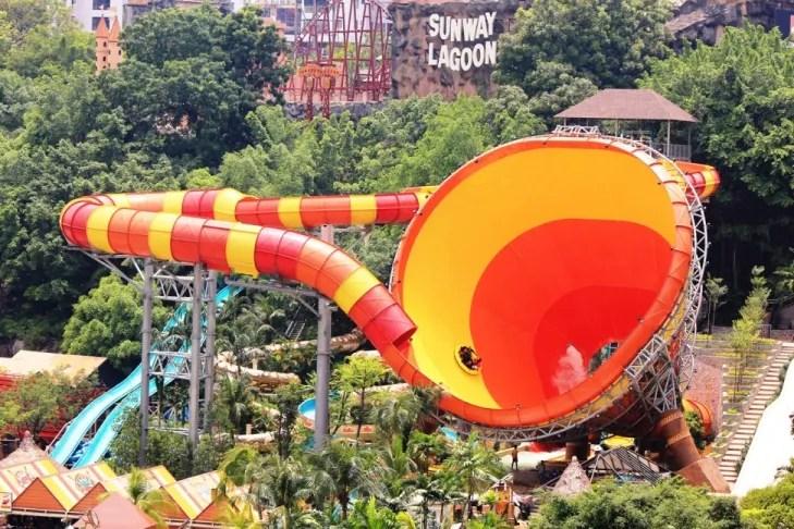 Vuvuzela : Permainan air terbesar di dunia di taman tema Sunway Lagoon ( 6 gambar )