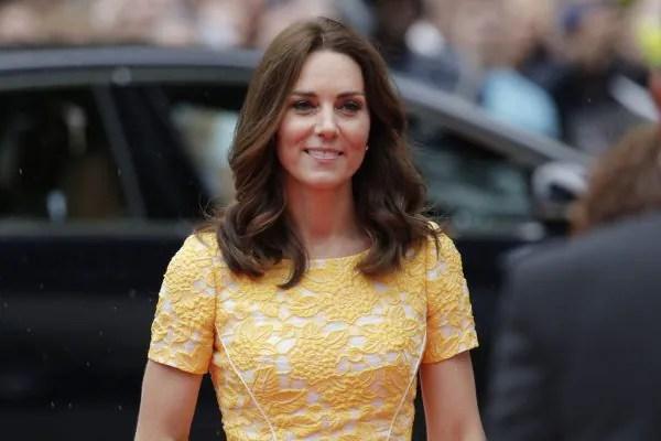 Ini Sebabnya Kate Middleton Selalu Pakai Dress Warna Ceria…