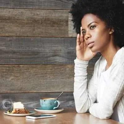 Praktik Tips Ini Agar Orang Tak Pandang Pelik Saat 'Makan Sendirian'