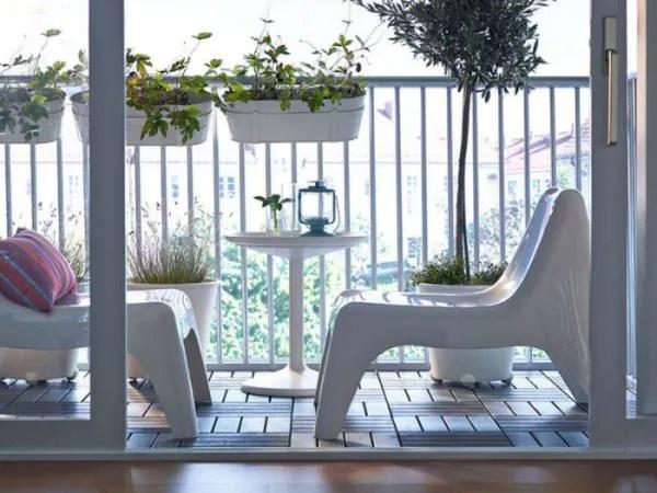 Taman Mini Di Balkoni Buat Mata Sejuk Memandang