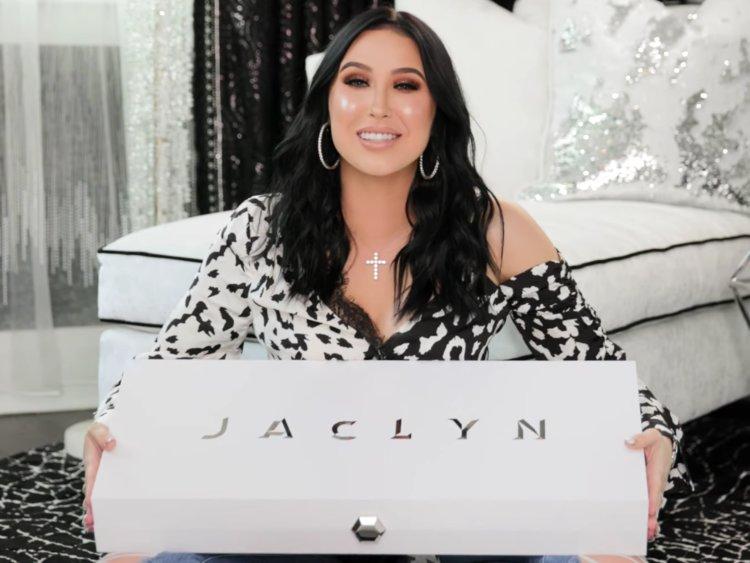 Gincu Keluaran YouTuber Jaclyn Hill Berbahaya?