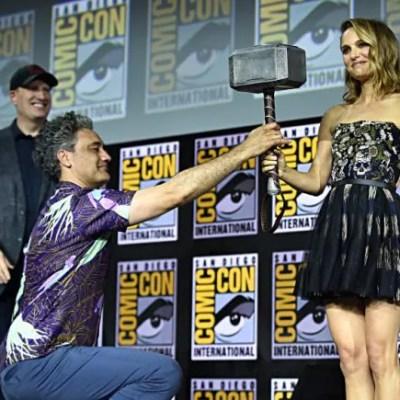 """Natalie Portman Jadi """"Thor"""" Versi Perempuan, Netizen Teruja"""