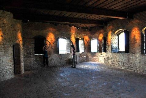 italie-piemonte-langheserralunga-casstelloweb575