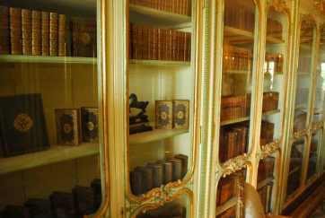 een eigen bibliotheek met ex libris stempel