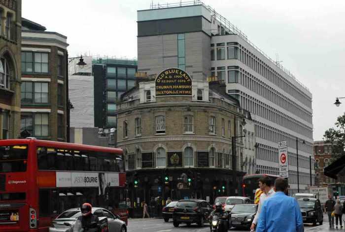 london_oldbluelast001