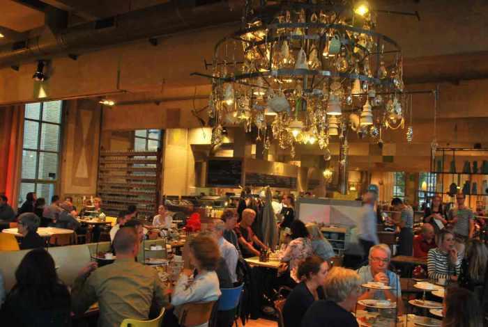 het restaurant van de villa