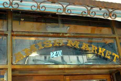 een Amish winkeltje perfect op zijn plaats bij dit historische station