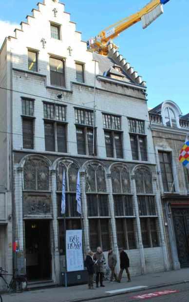 halte 1: museum Mayer van den Bergh
