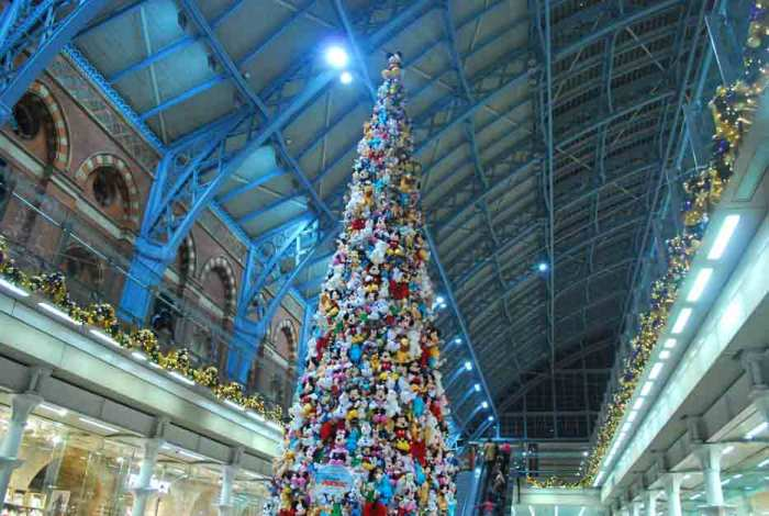 Christmas st pancras london
