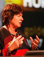 Danah Zohar bij een van haar lezingen.
