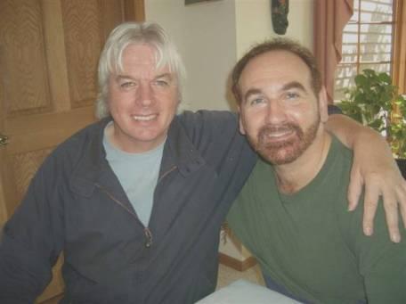 Stewart Swerdlow (r) hier op de foto met inspirator David Icke