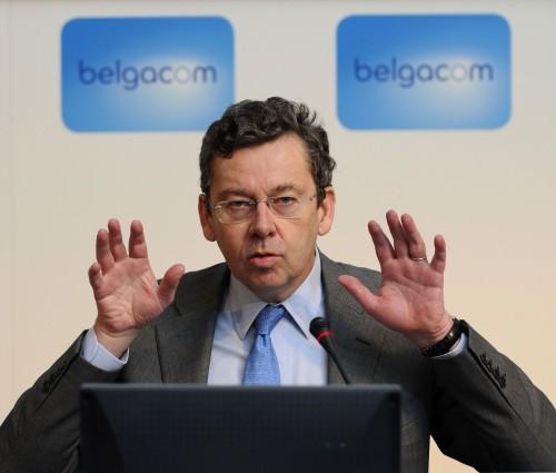 Didier Bellens, de algemeen directeur van de grootste telecom-maatschappij in België, keert zich volledig tégen de gevaarlijke mobiele telefonie..