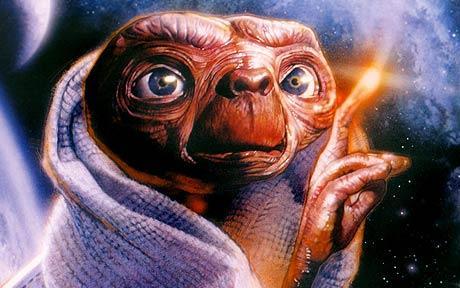 En zo mogen we zoveel als we willen naar 'buitenaards contact' kijken als we willen.. Hollywood-style, wat betekent dat we 'toch wel weten dat het allemaal fantasie is'...!?