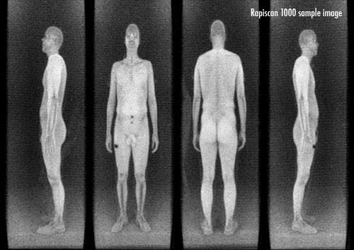 Dit is het beeld zoals de 'Rapidscan'-bodyscanner oplevert; de volledige naaktheid van de persoon in kwestie, met de kleren aan.