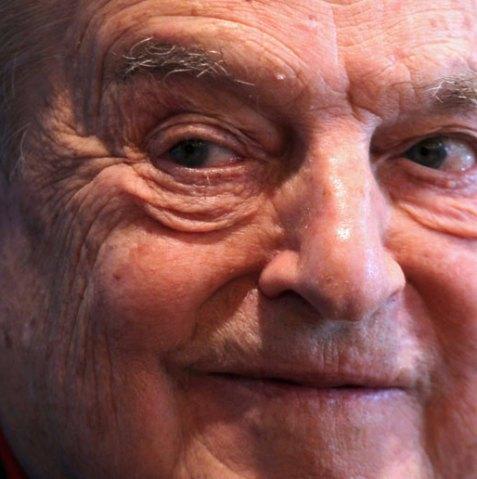 George Soros, onder het mom van 'liefdadigheid' speelt deze miljardair zijn spelletje van 'goedheid en empathie'.. In werkelijkheid één van de meest brute manipulatoren in de wereld..