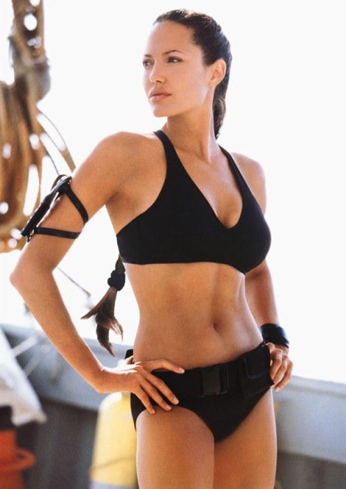 Filmster Angelina Jolie (o.a. bekend van de film 'Tomb Raider') liet haar borsten 'preventief' verwijderen..Ze zou een 'borstkanker-gen in haar DNA hebben, dat haar noodlot zou hebben bezegeld..