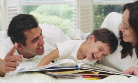 Het kind leert met ouderlijke hulp,  emoties te begrijpen als een soort 'explosies van onbegrip' en juist door dit begrip kan hij voorkomen dat hij ' verdrinkt' in zijn emoties en chaotisch gaat handelen.