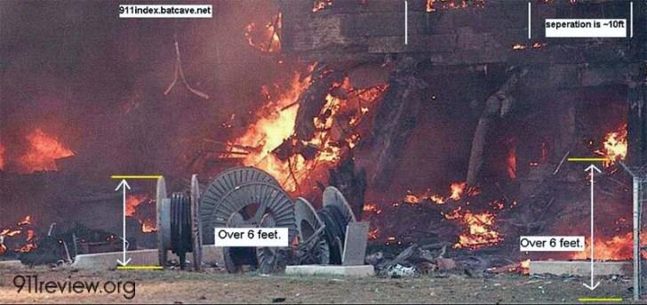 Het Pentagon op 11 September 2001, ca. een half uur ná de aanslag.