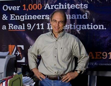 Richard Cage, oprichter van de uiterst erudiete site AE911 (klik op illustratie voor link)