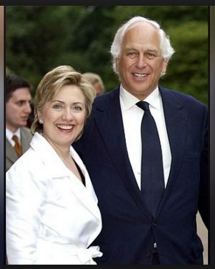 De Rothschilds organiseerden een 'sponsoring'-banquet, waarbij deelname US$ 100.000 pp. was, De puppet en haar master...