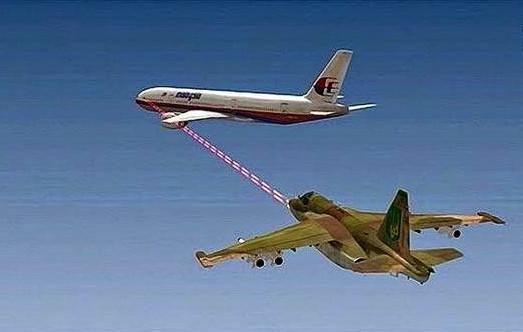 De mitrailleurkogel-karakteristieke schade die aan de linkervleugel van de MH17-Boeing te zien is, zou dit scenario opleveren, waarbij de cockpit vanuit een dode hoek-achtige nadering is beschoten door de SU-25 jager.