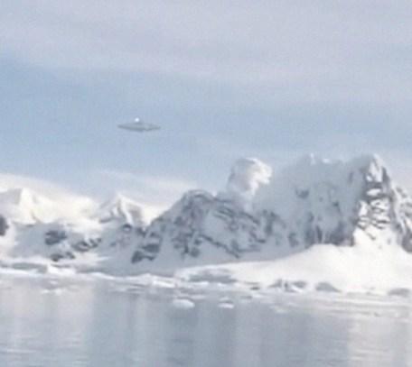 De vermeende UFO's die onlangs gezien zouden zijn door een Noorse Antarctica-expeditie. (klik voor artikel hier op de site)
