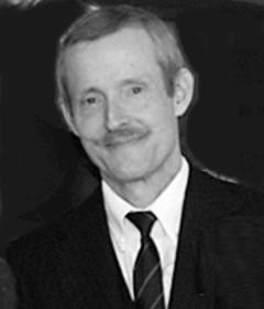 Dr. Bruce Ivins, sterft aan een overdosis in een ziekenhuis..