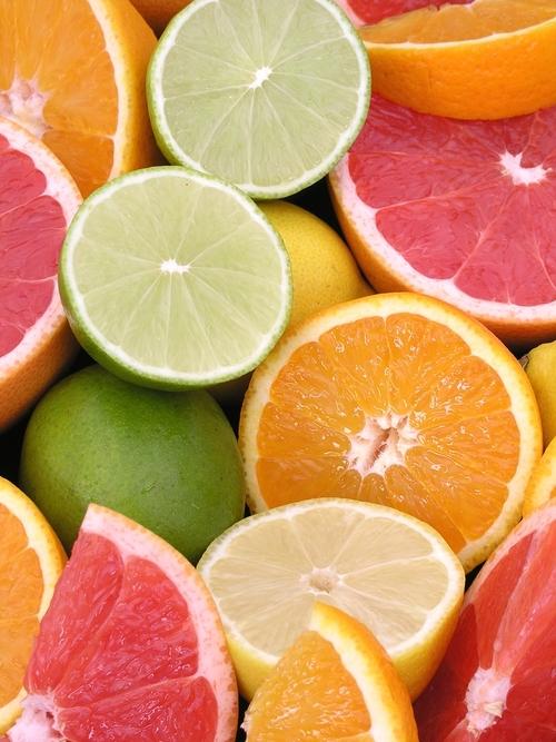 Citrusvruchten, een zeer belangrijke bron van Vitamine C.