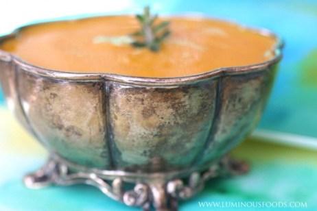 Kurkuma-wortelsoep.. Ayurveda is ook smaakvol..!