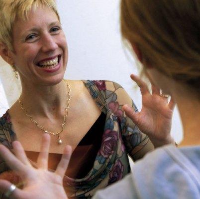 Professor Dr. Diane Harper klapt in bedekte termen uit de pharma-school.