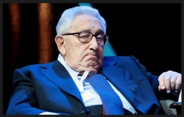 Henry Kissinger, oud-minister van Buitenlandse Zaken van de VS. De grote boef achter zaken als deze mind control martelmethodes.